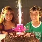 Hrající fontána na dort a svíčky