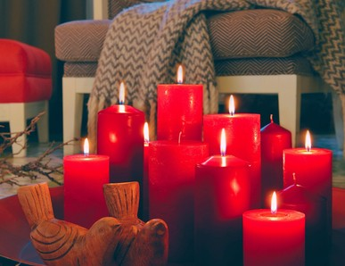 Rustikální svíčky a slavnostní stolování